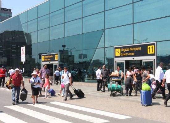 Protocolos Sanitarios que Deberán Cumplir Pasajeros de los Aeropuertos en Perú