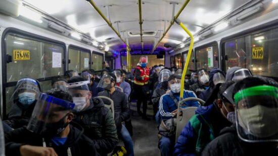 Usuarios de Transporte Público Recibirán Escudos Faciales