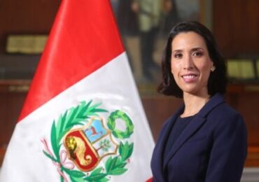 Ministra Claudia Cornejo:  Delivery para los Restaurantes Continuarán Operando