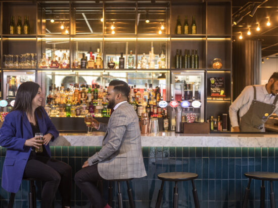 Restaurantes en New York Reinician Servicio en Salón